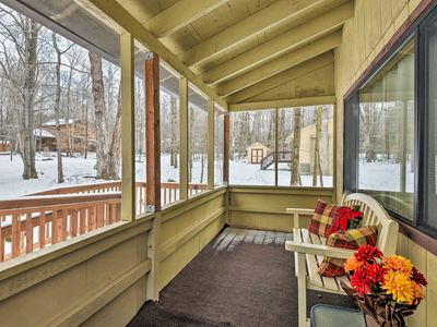 Photo for NEW-Arrowhead Lake Resort Home w/Fireplace & Porch