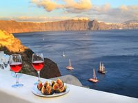 Wonderful location in Oia and breathtaking view!