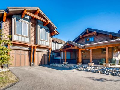 Photo for Luxe 3BR, 3.5BA w/ Private Hot Tub & Gourmet Kitchen - Near Skiing & Golf