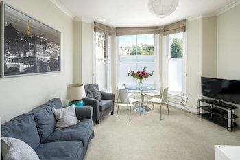 Photo for Lovely 2-bed Flat in Shepherd's Bush, West London