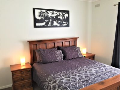 Photo for Latrobe Valley Guest House - 4 Bedrooms - 2 Bathrooms
