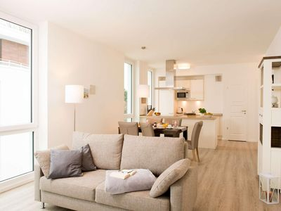 Photo for Luxurious 83 m² apartment for 4 people with sea views over the Baltic Sea.