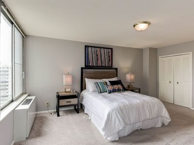 Photo for The Ultimate in Modern Luxury & Convenience! (1br)