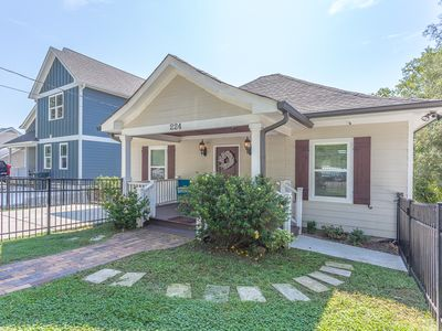 Photo for 4BR, 3BA, Walk everywhere- Chattanooga North Shore/Downtown & shops- Sleeps 8-11