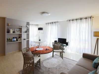 Photo for Prestige 3 bedroom apartment / parking, in the heart of Avignon