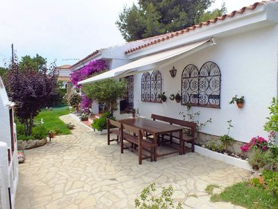 Photo for Stunning private villa for 8 guests with private pool, TV and parking