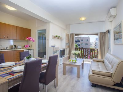 PRIME ONE-BEDROOM APARTMENT D322-CASTLE HOLIDAY APARTMENTS