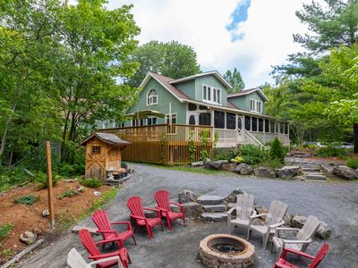 Photo for LARGE FAMILY Lakefront Cottage: 9 bedrooms, 5 bathrooms Sleeps 24