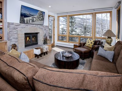 Photo for MINT Ski-in/Ski-out w/Mnt. Views, 3Bed 3Bath,with 2 Master on-suites, Highlands