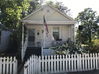 Photo for Cute Small House Located Close To Downtown ILM And Greenfield Lake