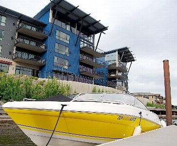 CDA's only true waterfront condo.  Day use dock on-site.