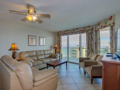 Photo for Spacious 2nd row condo with wonderful ocean view and great amenities