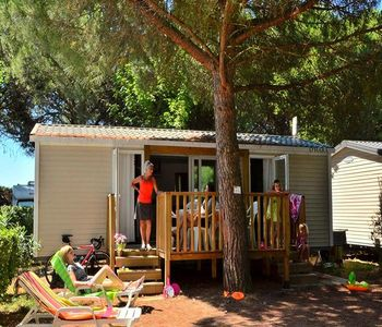 Photo for Camping Bon Port **** - Mobile Home Patio 3 Rooms 4 People