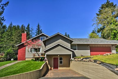 Located in the Columbia River Gorge, this unit places you minutes from adventures!
