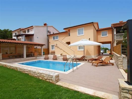 Accommodation, 370 square meters, with pool