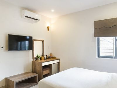 Photo for TIDY QUEEN ROOM, SMART TV, BEACH AREA, with BREAKFAST