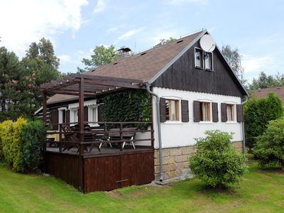 Photo for Detached house with a covered terrace, enclosed garden, 200 metres from the ski lift