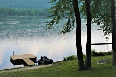 Directly on the river front with private dock and swing on the riverbank