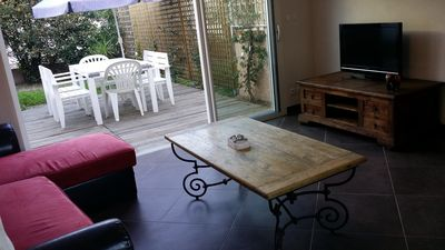 Photo for Ground floor apartment in villa 50 m from the beach.