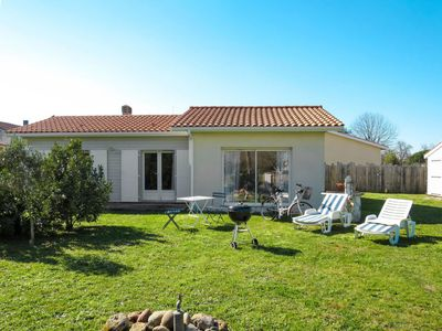 Photo for Vacation home Ludovic Trarieux (SVV120) in Saint Vivien en Medoc - 5 persons, 2 bedrooms