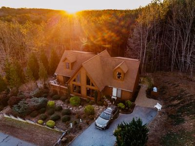"""Photo for Enjoy """"Peak Retreat"""" located in the exclusive gated community of THE PEAKS-WNC"""