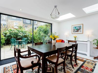 Photo for Sleep 8 guests in a lovely West London home. Reach Museums in 20 mins (Veeve)