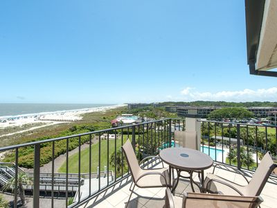 Photo for Spacious 5th floor oceanfront penthouse condo!
