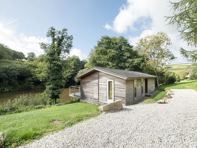 Photo for 6 WATER'S EDGE, family friendly, with hot tub in Lanreath, Ref 991452