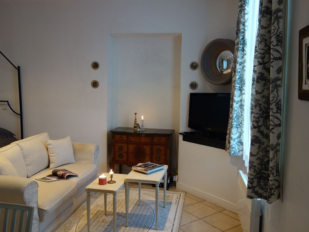 Property Image#3 Stylish And Comfortable Apartment With A Terrace, Close To  The Palace