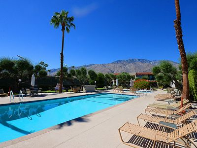 Photo for Comfortable Ground Level Ranch Club Condo, Pool & Spa, Minutes to Downtown, Steps From Grocery