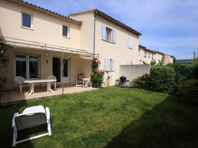 Photo for Fenced villa, 4 people, garden, St-Quentin-la-Poterie 4km from historic Uzès,