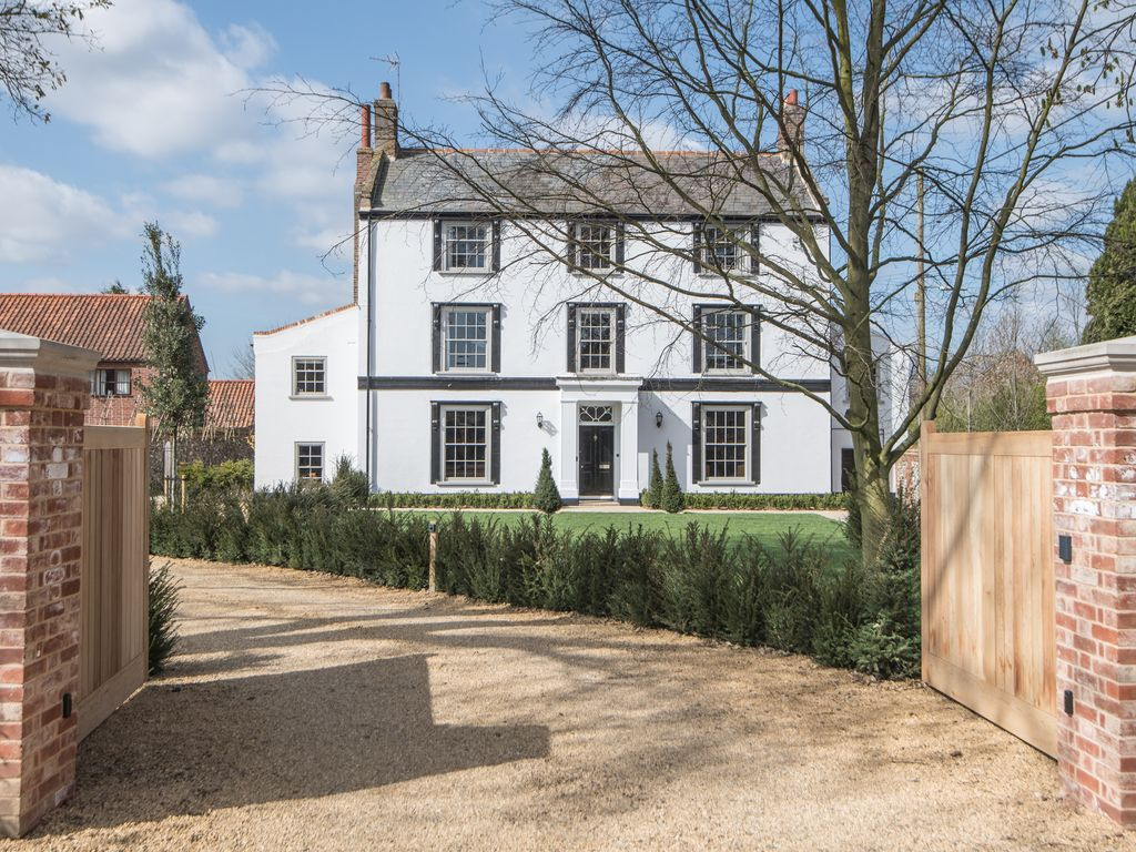 A Luxury Grade II Listed Manor House Just 15 Mins From The North Norfolk  Coast