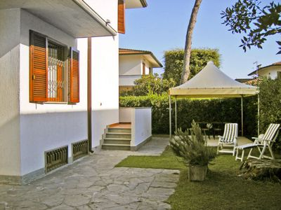 Photo for Vacation home Luisa in Marina Pietrasanta - 6 persons, 3 bedrooms