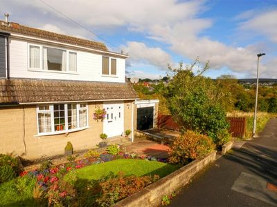 Photo for Large home close to Skipton centre. Perfect for couples and families.