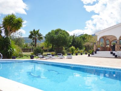 Photo for Peaceful private villa with large pool & beautiful mountain views.