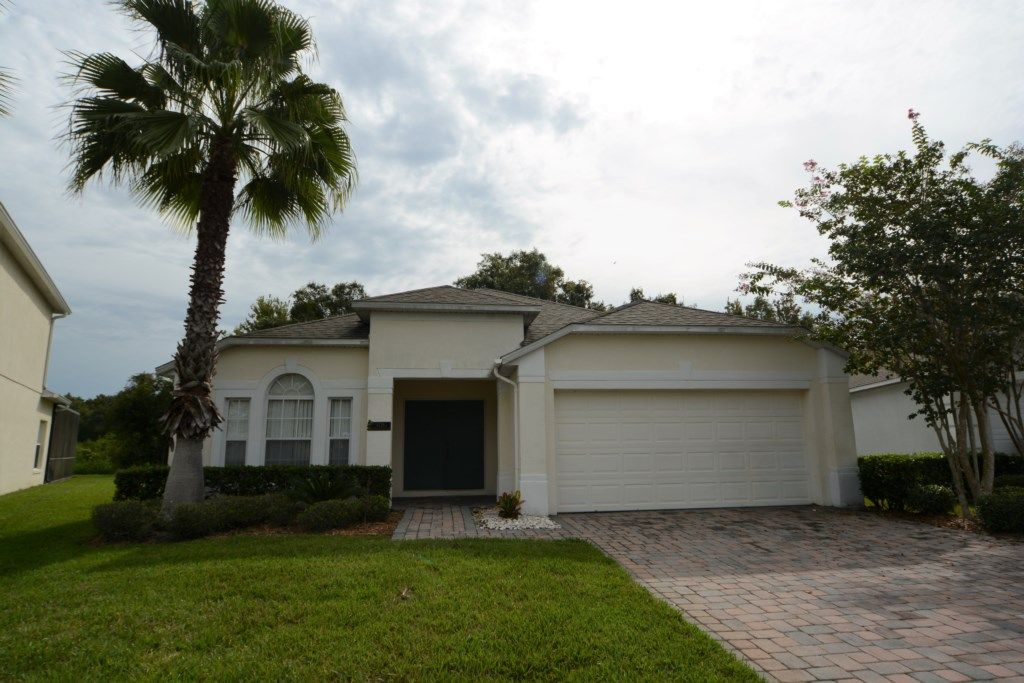 4 Bedroom Gated Orlando Vacation Rental Pool Home With Lake View And Games Room Intercession