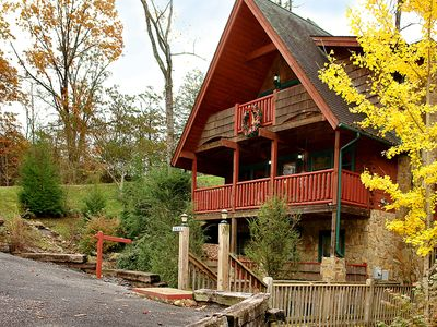 Photo for Upscale Cabin minutes to Dollywood, The Island, Parkway