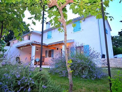 Photo for Charming Family And Pet-Friendly Home which Offers You Really Nice Accommodation