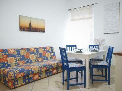 Photo for Apartment 100 m from the beach and the marina, cheap, washing machine, 4 persons