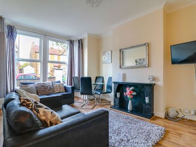 Photo for 2BR Apartment Vacation Rental in Southend-on-Sea, Essex