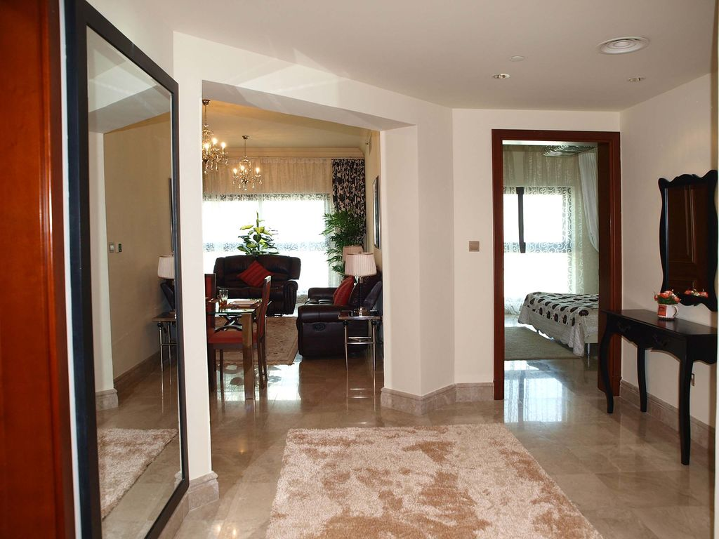 Fairmont Residence on famous Palm Jumeirah. 2 Bed