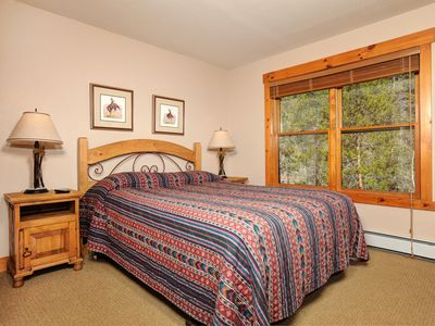 Photo for Well-Appointed 2 Bedroom Condo with Rustic Charm and Great Amenities