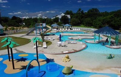 Bermuda Bay Pool Complex