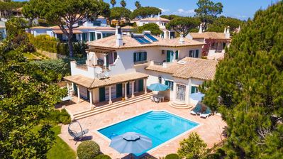 Photo for 4 bedroom Villa, sleeps 7 in Vale do Lobo with Pool, Air Con and WiFi