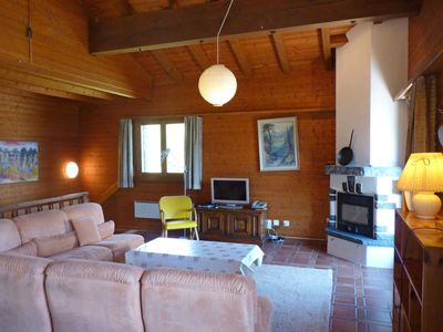 Photo for Vacation home Préplan in Ovronnaz - 6 persons, 3 bedrooms