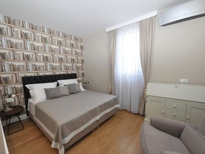 Photo for In the center of Split with Internet, Air conditioning, Terrace, Balcony (747142)