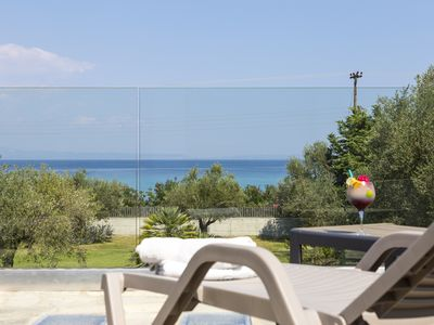 Photo for Villa Vista - Beachfront, Garden, Sea view