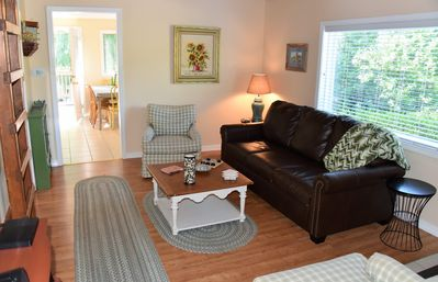 Affordable Classic Cottage Charm. Sleeps 8