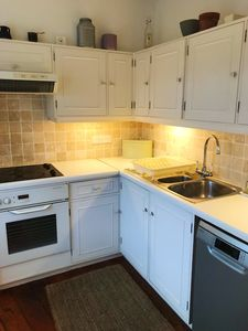 Photo for Cental First Floor Studio Apartment