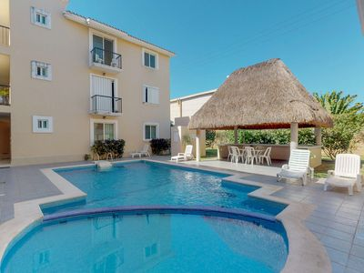 Photo for Comfortable condo with a shared pool, beach, plaza, and restaurants nearby!
